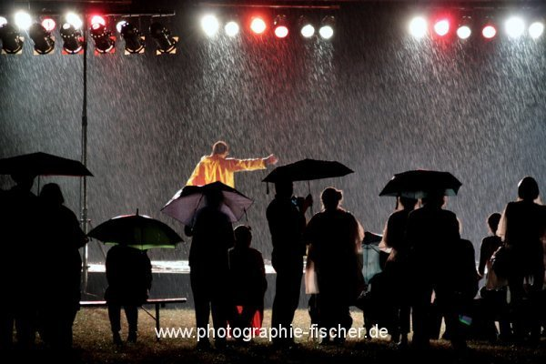 PK0812: I'm dancing in the rain (Dresden 2012)