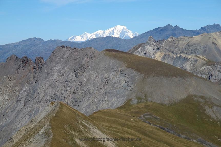 FRA0047 o.T. (Blick vom Col du Galibier- 2645m - nach Osten mit Mt. Blanc; F 2010)