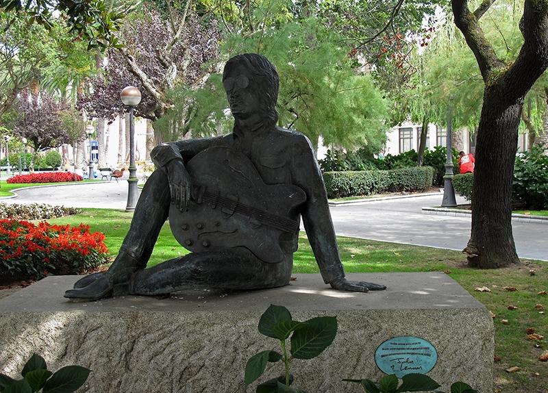 ESP0053 o.T. (John Lennon Denkmal; La Coruna/E 2010)