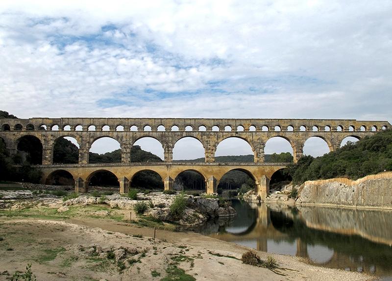 FRA112 o.T. (Pont du Gard - Blick flußaufwärts/F 2010)