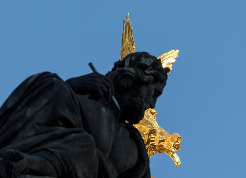 DD0278 o.T. (Serie: Ein Engel tanzt über der Stadt, Dresden 2019)