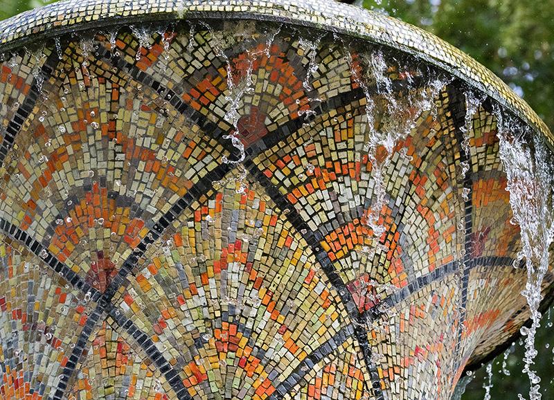 DD0380 Mosaikbrunnen im Großen Garten (Detail, Dresden Südvorstadt Ost 2019)