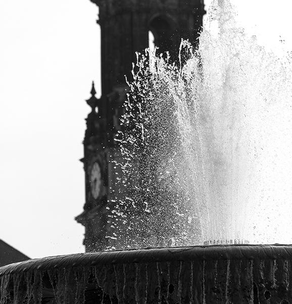 """DD0248sw """"Stille Wasser"""" (Zwillingsbrunnen Brunnen 1894, Detail, Albertplatz, Innere Neustadt, Dresden 2017)"""