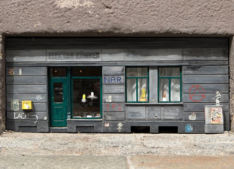 DD0273 Kellerlukenladen in der Sebnitzer (Dresden Äußere Neustadt 2019)