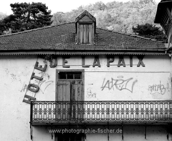 0587sw: Hotel de la Paix (Ax les Thermes, Frankreich 2010)