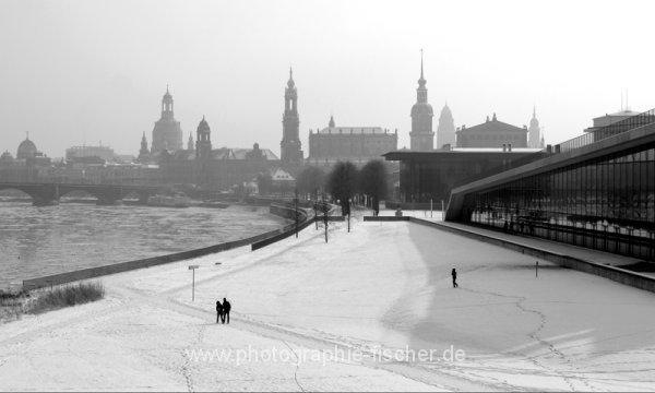 0609: o.T. (Blick von der Marienbrücke, Dresden, 2012)