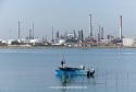 0649: o.T. (Venedig; Blick von der Ponte della Libertà zum Industriehafenkomplex von Magheira; 2012/13)