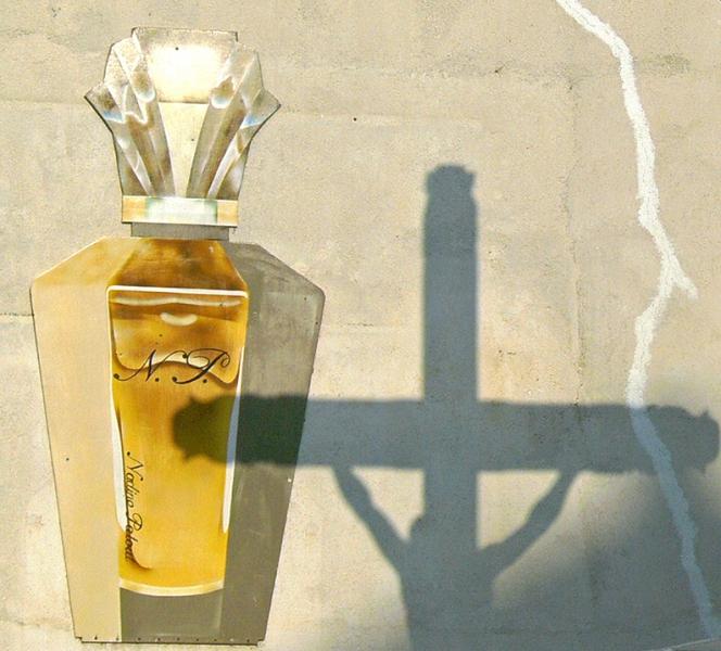 0202: o.T. (oder: Wofür Christus ans Kreuz genagelt wurde?; Saintes-Maries-de-la-Mer, 2009)