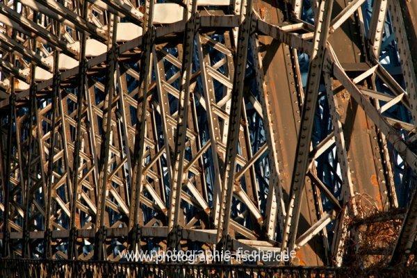 0793: o.T. (Hafenbrücke im Alberthafen, Dresden 2013)