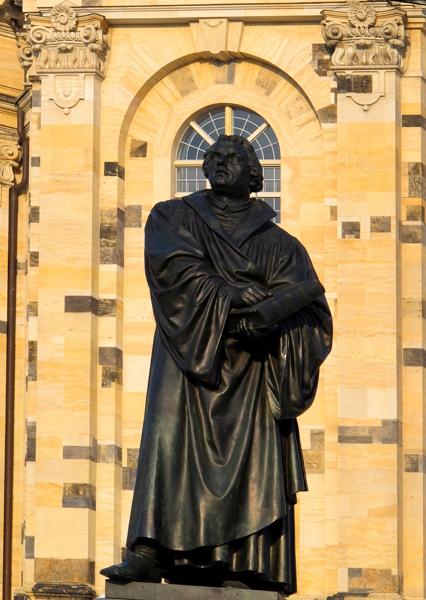0823: Geheiligt sei der Luther (Neumarkt, Dresden 2012)