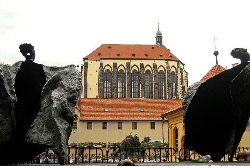 PK0519: o.T. (Maria Schnee Kirche vom Franziskaner Garten aus, Prag 2009/11)