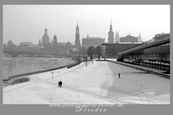 PK0609R: Winterblick von der Marienbrücke (Dresden 2012)