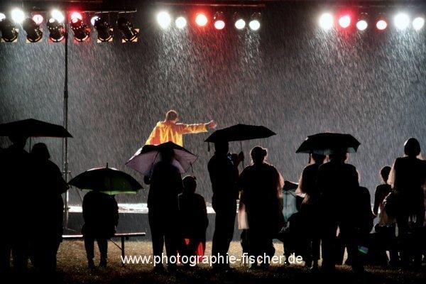 PK0812: I'm dancing in the rain (Dresden 2012)
