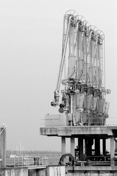 PK0038: o.T. (im Hafen Wismar 2008)