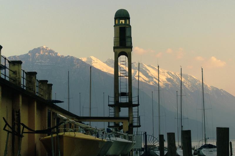 PK0047: o.T. (Riva del Garda mit BLick zum Monte Baldo, 2009)