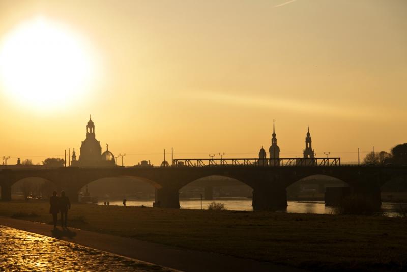 PK0972: o.T.(Dresden, K.-Kollwitz-Ufer, 2012)