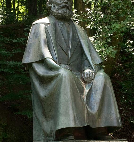 PK1136T: Karl-Marx-Denkmal (Karlovy Vary 2012)