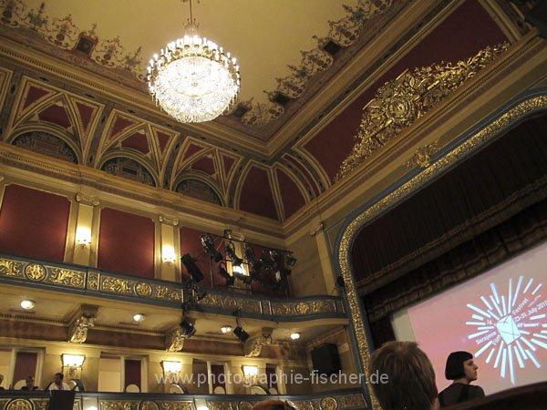 sar024 Im Nationaltheater