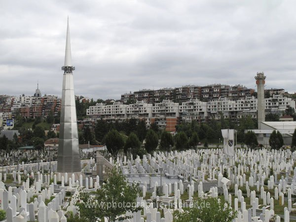 sar067 Lav Friedhof