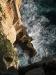 """sa082 Blick aus 100m Höhe auf das Ende der """"Rehleiter"""" zur Neptungrotte bei Capo Caccia"""