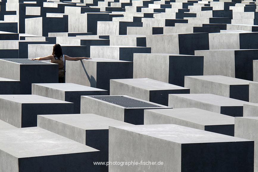 DEU0006 o.T. (Holocaust Memorial, Berlin 2011)