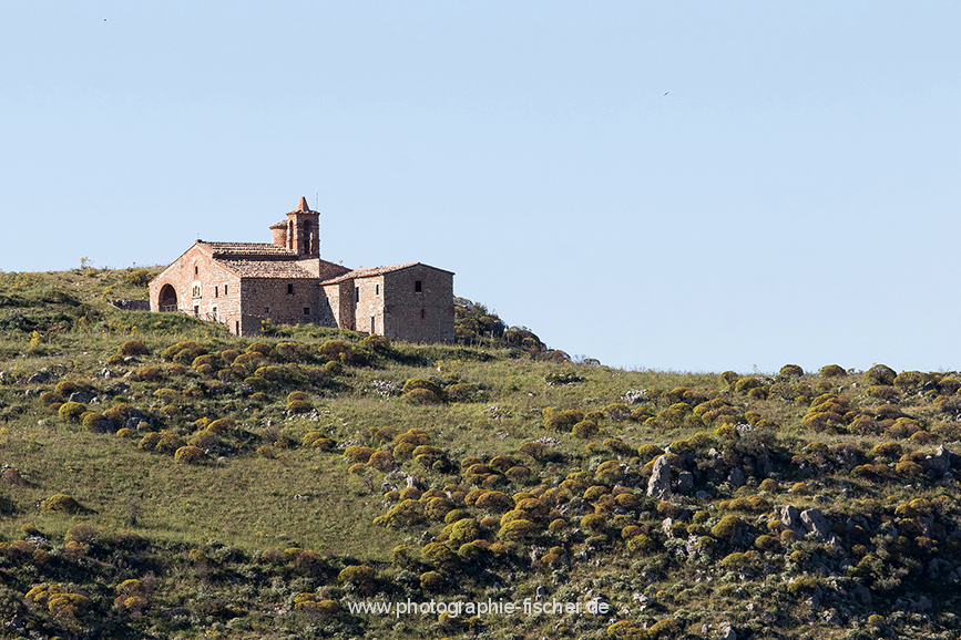 ITA_6082: Santuario dei Tre Santi - XII. Jh. (San Fratello am Nordrandi der Monti Nebrodi, Nordostsizilien, Italien 2019)