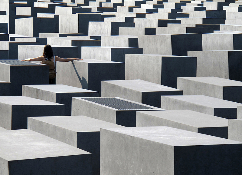 DEU0006 o.T. (Holocaust Memorial, Berlin 2011)