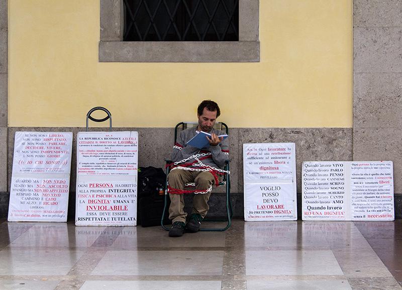 ITA0287: o.T. (Streik für Arbeit und Menschenwürde, Padua, Italien 2015)