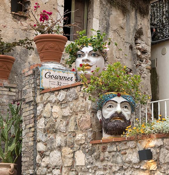 ITA_6241: o.T. (Testa di Moro, Taormina, Ostsizilien, Italien 2019)